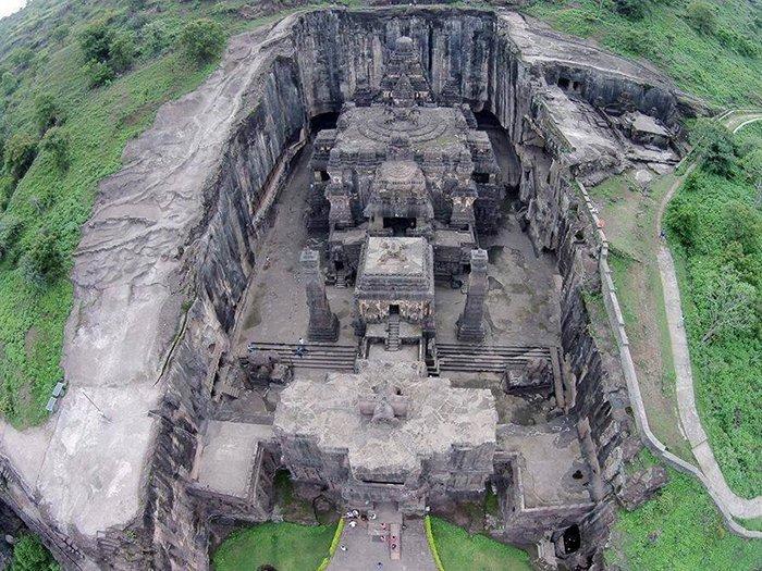Восьмое чудо света: древний индуистский храм, высеченный в скале Кайласанатха, достопримечательность, индия, скала, фотомир, храм, эллора