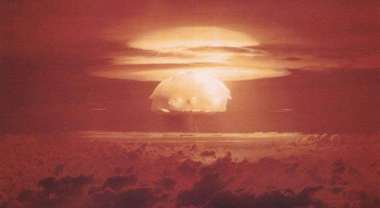 Врага и денег: кому выгодны мифы об угрозе «ядерной войны» в Прибалтике?