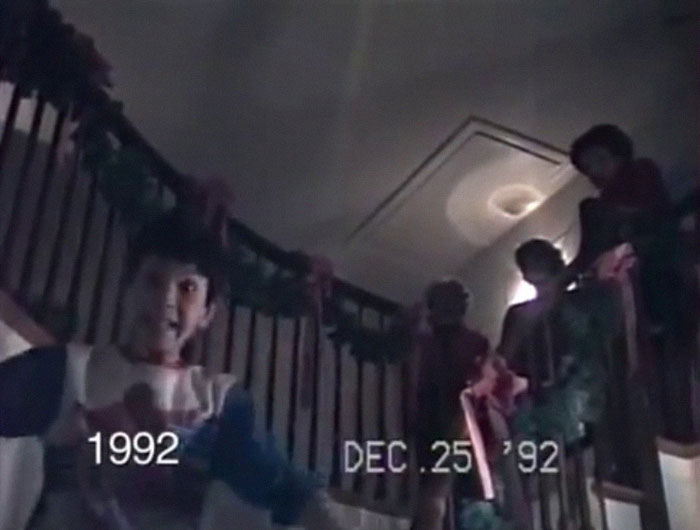 Dad Films His Family's Christmas Mornings For 25 Years, Sadly, Dog And Grandma Disappear From The Video