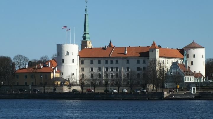 «Выживайте сами». Власти Латвии рассказали, что будет с народом в случае войны
