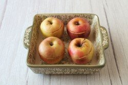 Запеченные яблоки с творогом в духовке (Oven baked apples with cottage cheese)