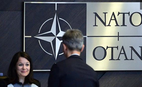 """ГРУстно, девочки. Можно ли переименовать НАТО в """"Клуб четырех коней""""?"""