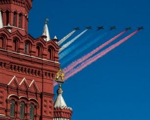 СМИ узнали, почему в Москве отменили воздушный парад Победы