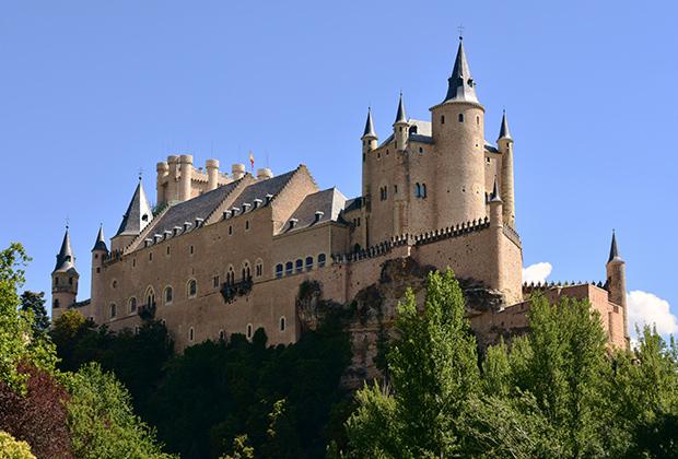 Замок в поселке Пеньяфьель стал музеем испанских вин