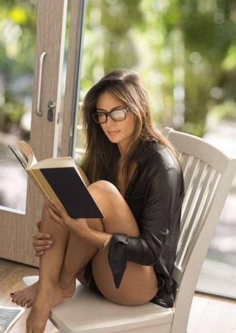 Симпатичные девушки в очках (53 фото) | Чёрт побери