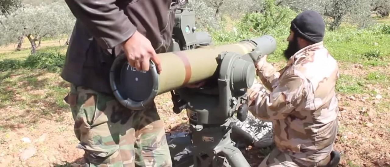 «Бац-бац и мимо»: инструкторы США учат боевиков стрелять из TOW