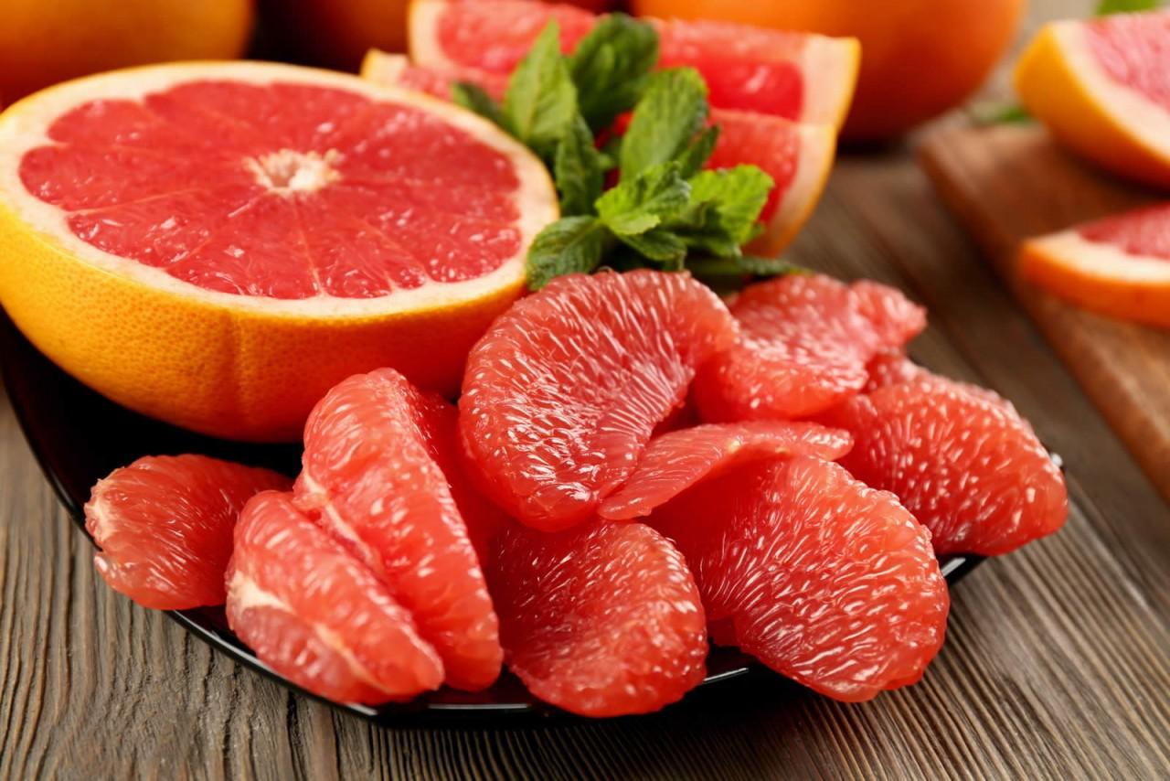 При болях в печени, хронических гепатитах, нарушениях пищеварения таблетки заменит этот фрукт