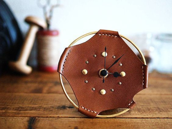 Часы из кожи