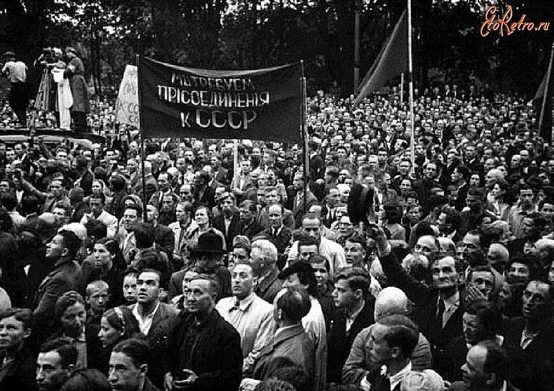"""Кто кому должен за """"советскую оккупацию"""""""