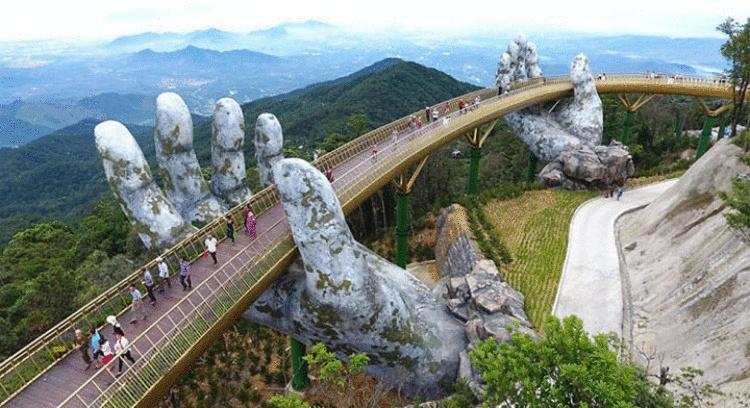 Этот мост во Вьетнаме настолько необычный, что вам захочется на прогулку прямо сейчас