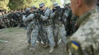 Военнослужащие НАТО убиты на…