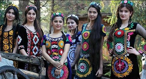 ВМинкультуры Таджикистана разработают образцы «исконно таджикской одежды»