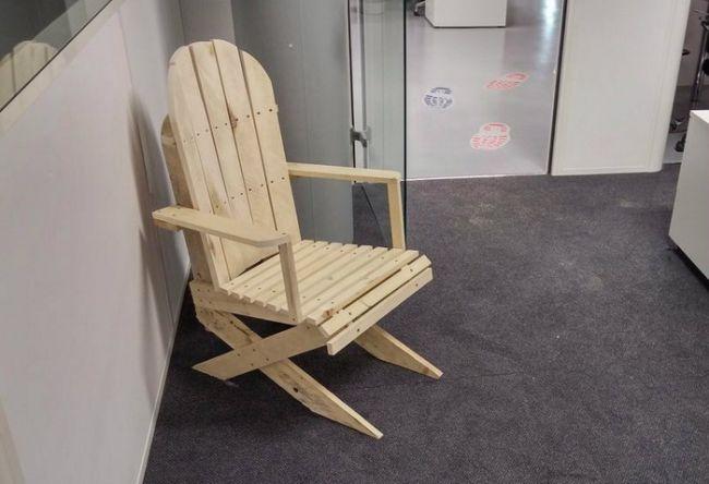 Кресло из досок своими руками