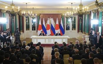 Путин и Абэ обсудили мирный договор