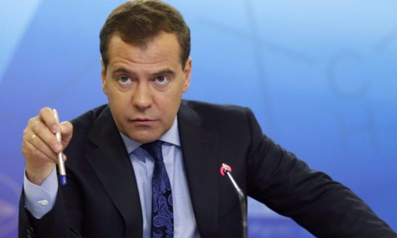 Медведев: В Белом доме воруют даже ручки