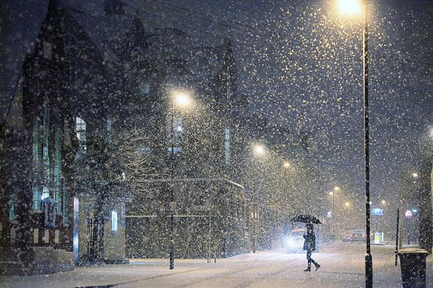 http://www.pravmir.ru/wp-content/uploads/2014/03/snow-umbrella_1547802i.jpg
