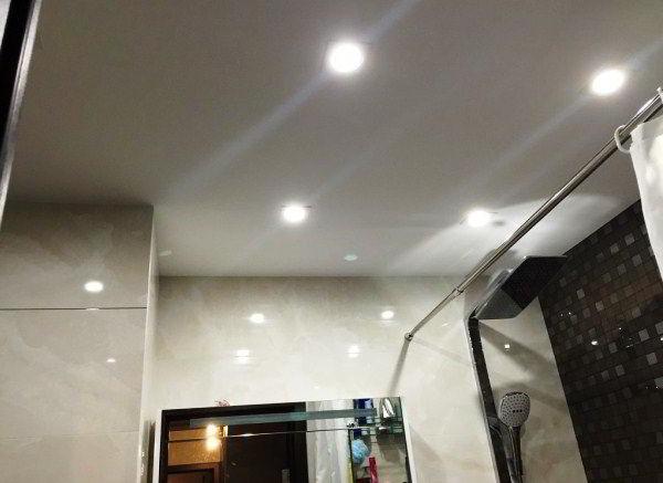 потолочные светильники для ванной комнаты фото 10