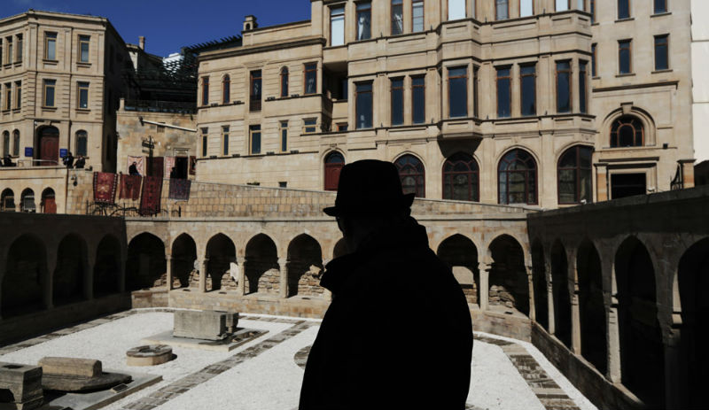 Город Баку: беж, белье и бозбаш
