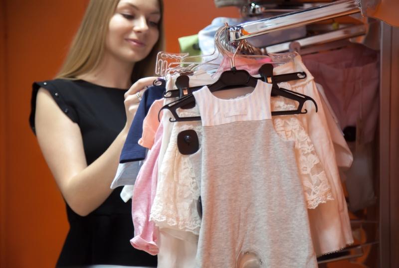 Почему люди отказываются покупать новую одежду