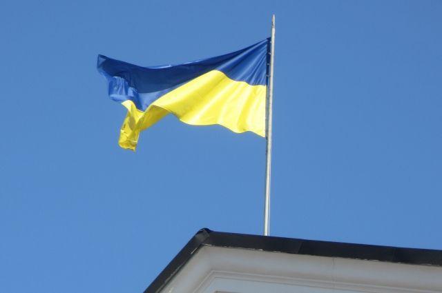 Суд вынес приговор полякам, вытершим ноги об украинский флаг