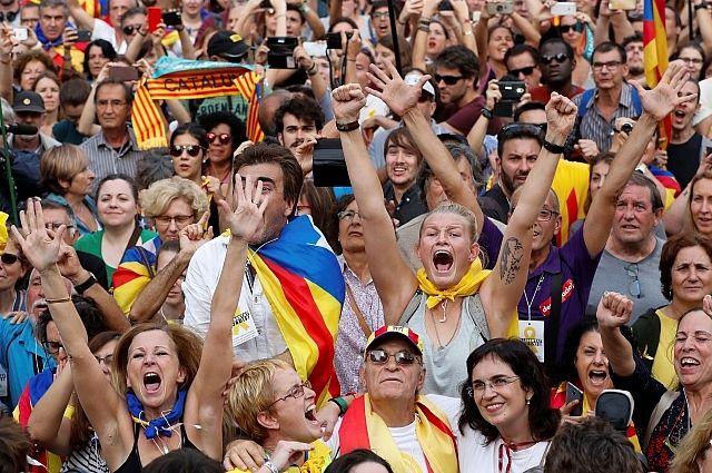 Каталония объявила себя независимым государством, АТО не за горами