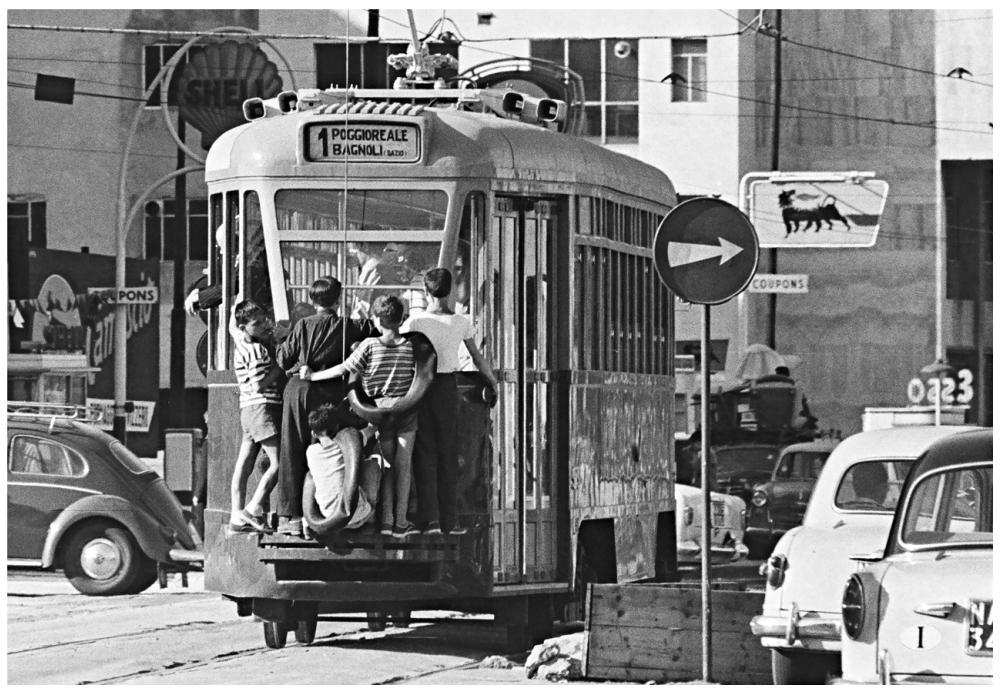 Шедевры от мастеров уличной фотографии: реальная жизнь в каждом снимке 25
