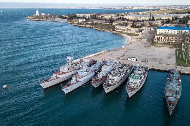 СМИ показали на видео состояние украинских кораблей в Крыму