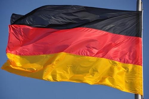 Министр обороны Германии запретила военным общаться с депутатами бундестага