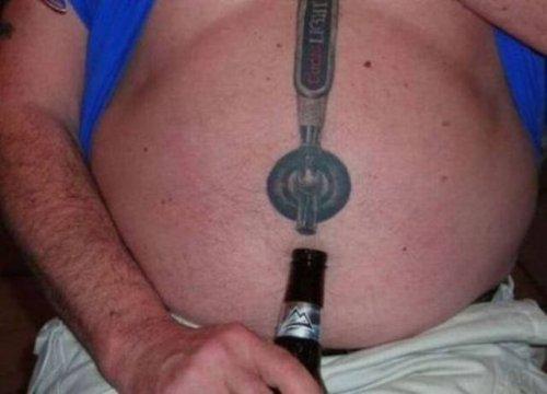 Смешные и причудливые татуировки, которые можно было не делать (19 фото)