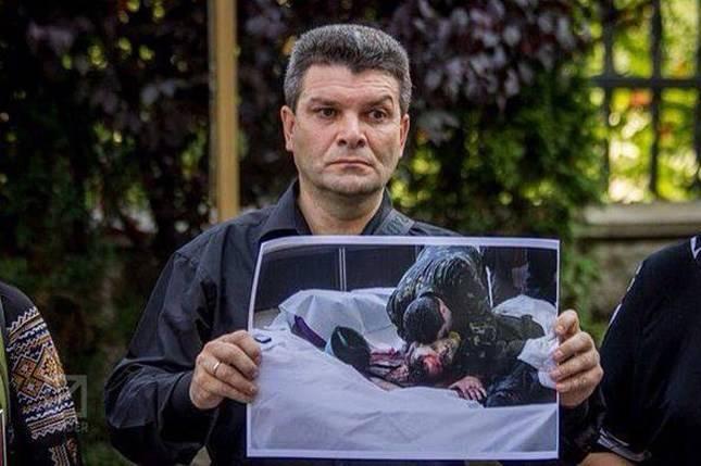 Отец «героя» Небесной сотни разочаровался в Майдане: Мне больно за Украину.
