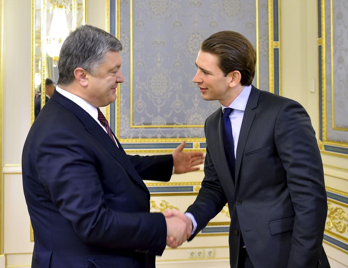 Глупая шутка Петра Порошенко вызвала недоумение у канцлера Австрии Себастьяна Курца