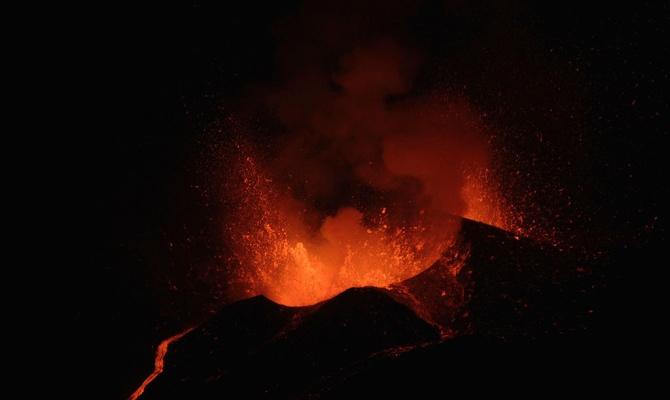 Йеллоустонский вулкан начал …