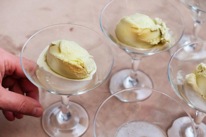 Пальчики оближешь: десерты с мороженым от известных шеф-поваров и звезд кино