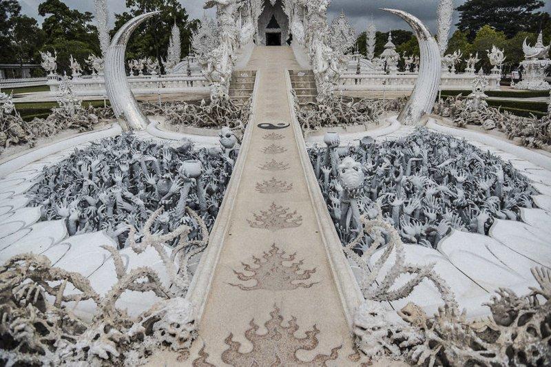 Вход к храму начинается с прохода сквозь врата ада архитектура, буддизм, достопримечательность, путешествие, таиланд, фотомир, храм