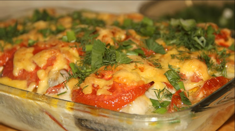 Минтай в сырно-сливочной заливке: самый вкусный рецепт