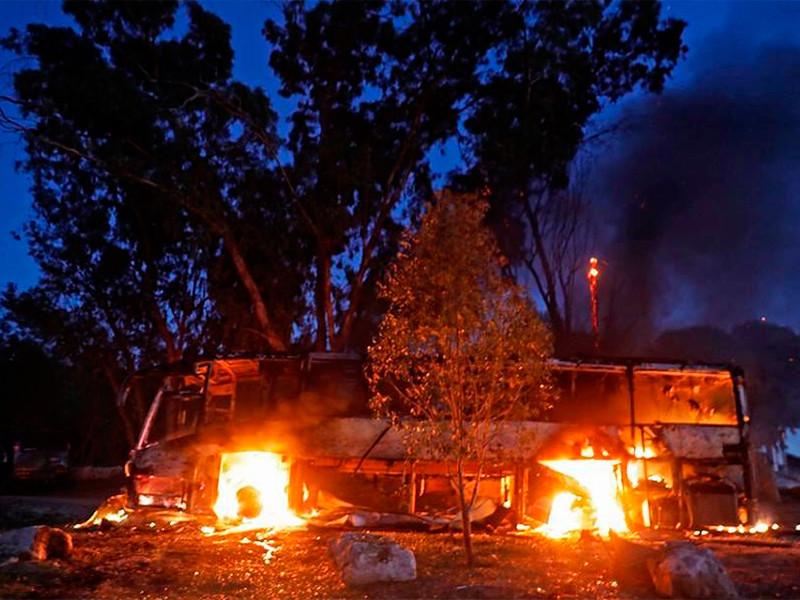 В секторе Газа второй день идут бои