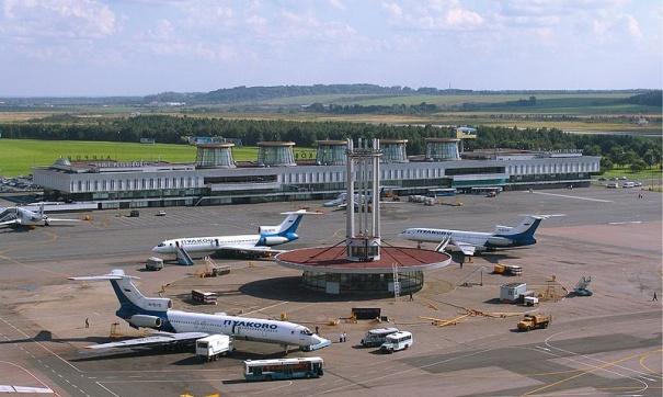 Пассажирские самолеты не могли сесть в Пулково из-за визита Медведева