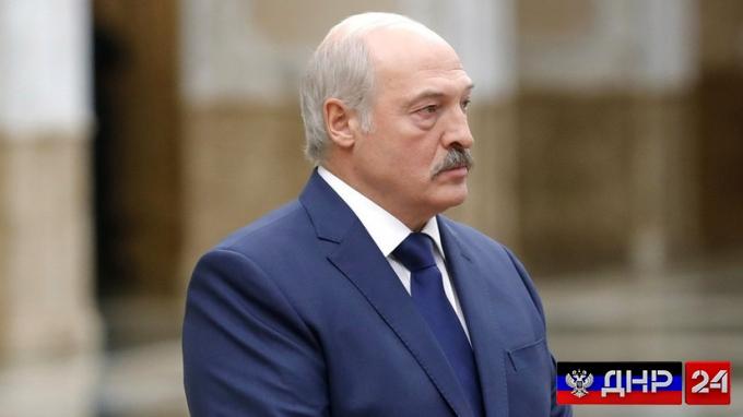 Лукашенко предложил отправлять студентов в армию на летних каникулах