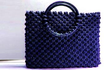 Плетеная сумка в технике макраме…