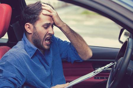 Названы причины недовольства автовладельцев официальными сервисами