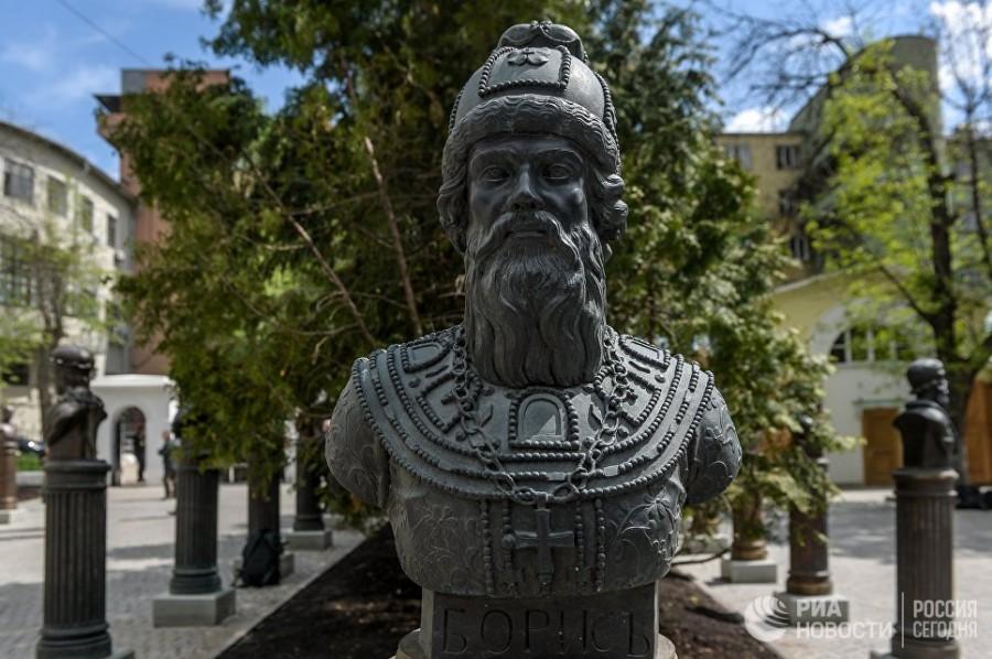 В Москве открылась Аллея правителей