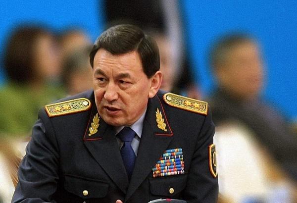 Потрясенные убийством Дениса Тена казахстанцы требуют отставки главы МВД