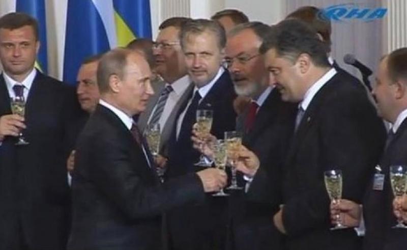 Срочная новость: Порошенко российский агент действующий по четким указаниям из Москвы!