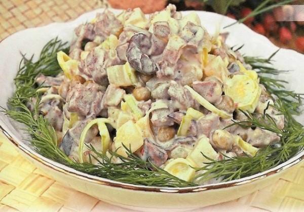 Мясной салат «Сосновый бор»