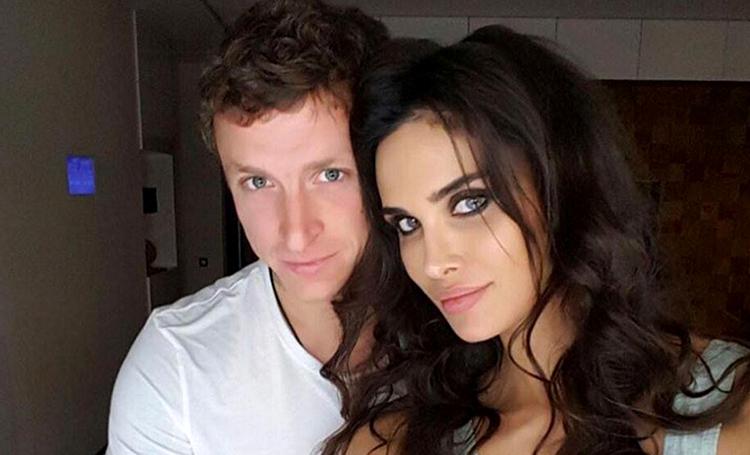 С любовью из СИЗО: Павел Мамаев даже за решеткой не перестает быть романтиком и шлет жене цветы