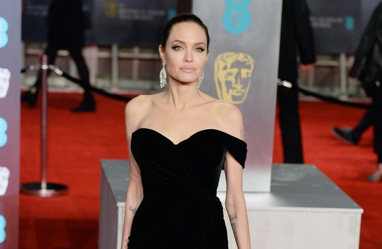 Томная Анджелина Джоли, Кейт Миддлтон в «неправильном» платье и другие знаменитости на BAFTA-2018