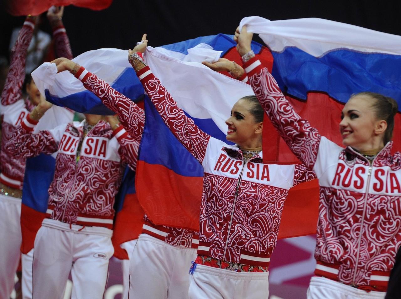 Спортсменам позволили носить одежду с символикой России с одним условием