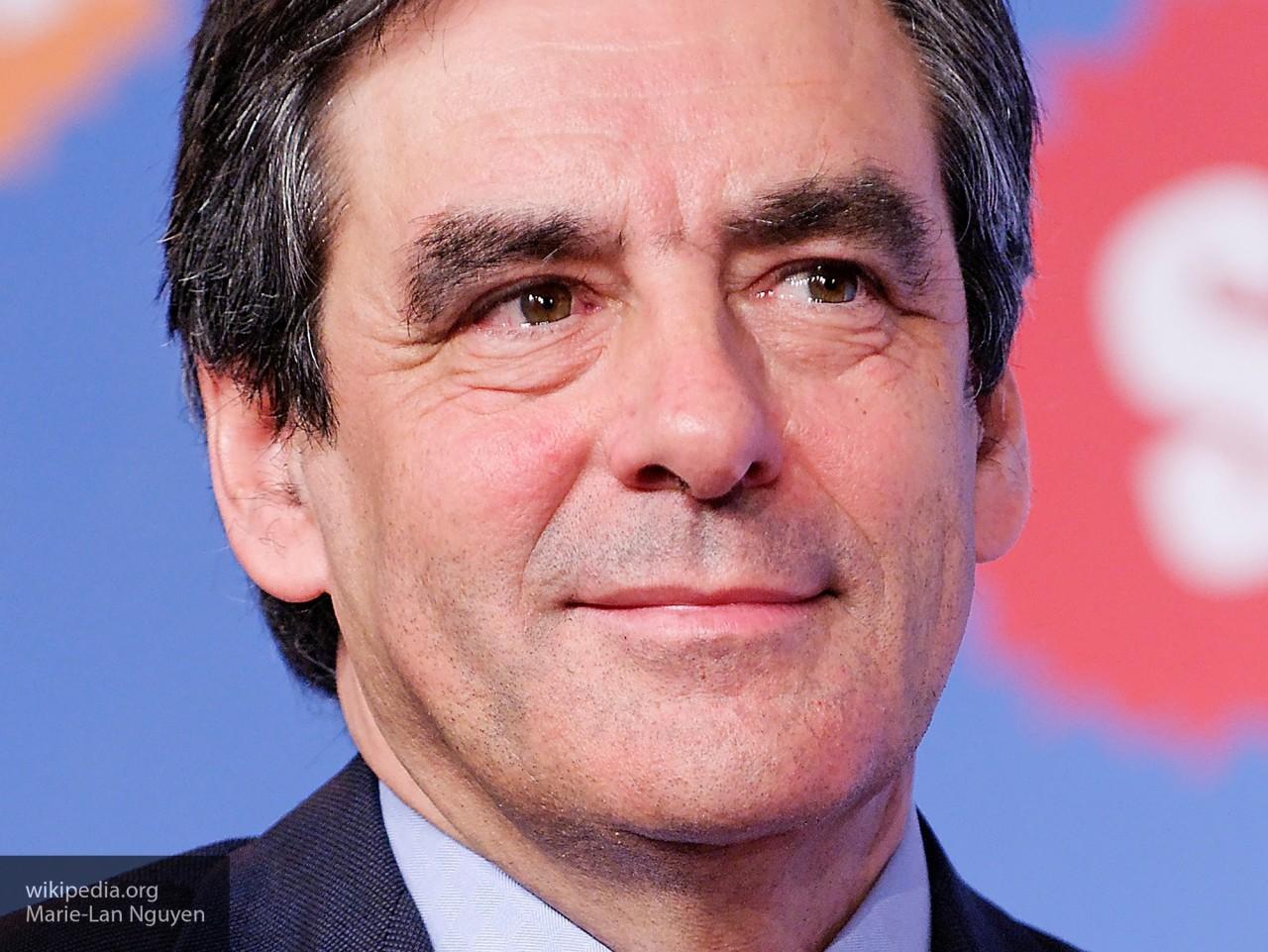 Фийон признал поражение на выборах во Франции и выступил в поддержку Макрона