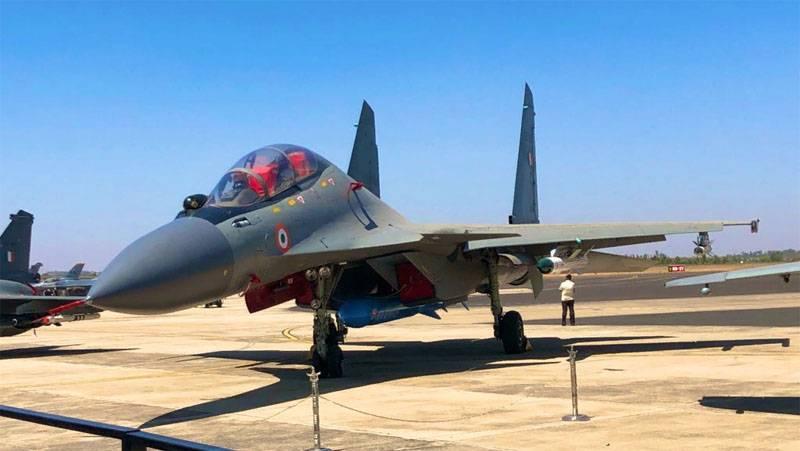 В Индии говорят, что F-16 ВВС Пакистана был сбит истребителем Су-30