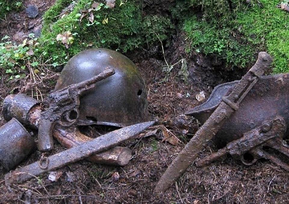 Пистолеты найденные во время раскопок вов.